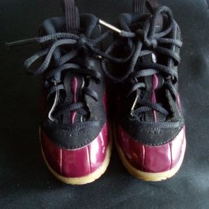 NIKE Infant Toddler Sneakers Size 6C